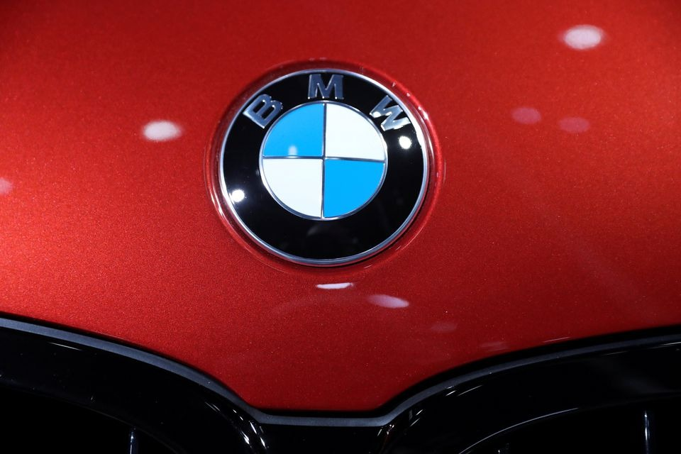 BMW plans limited series hydrogen fuel cell SUV in 2022