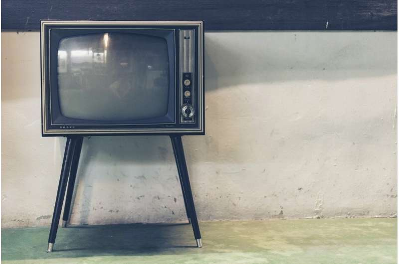 Too much TV may dull the aging brain